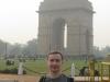 На фоне Ворот Индии